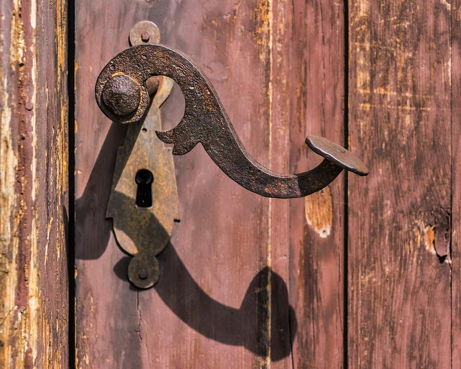 125- Rénover une porte en bois, mode d'emploi