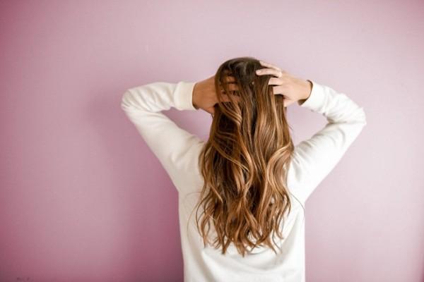 La poudre densifiante est-elle l'un des meilleurs produits pour cheveux