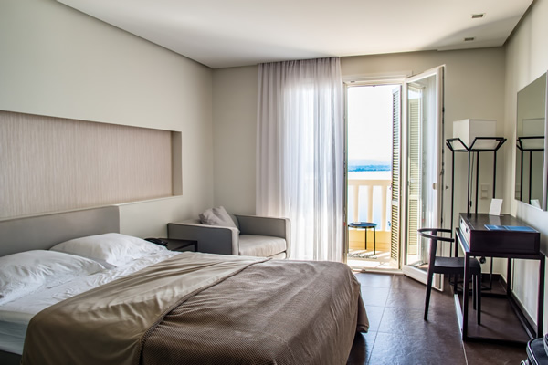 travel_hotel_rooms_hotel_room_bed_interior_business_relaxation-487768